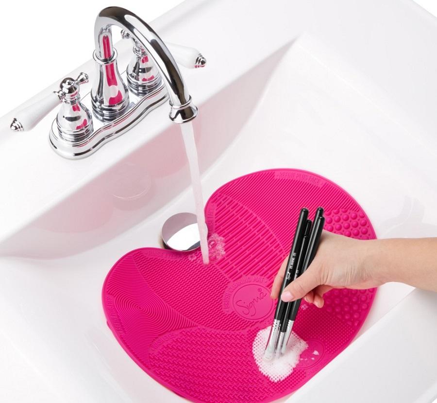 Sigma Beauty podloga za čiščenje kistova